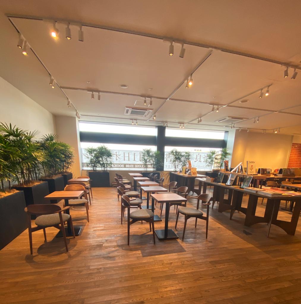 2階店内のカフェ